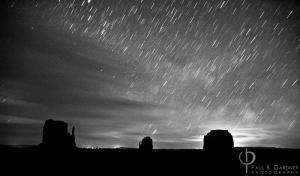 Monument Valley / Nikon D70, 18mm, f/3.5, ISO800, 6 minutes